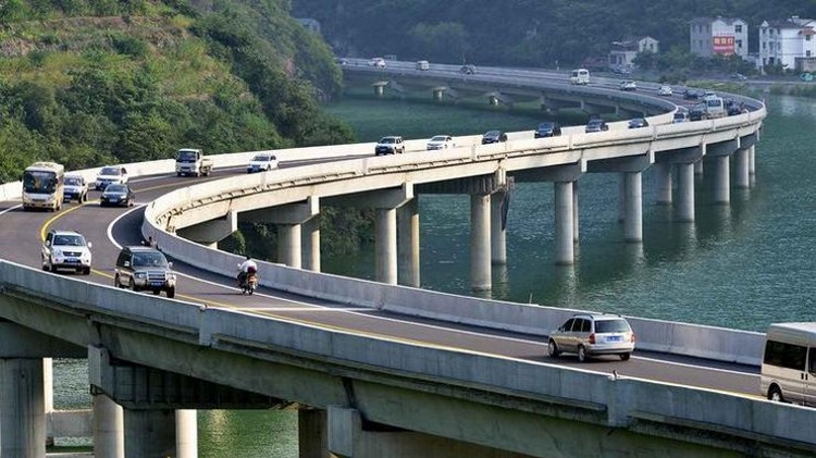 мост - инженерное чудо в китайской провинции