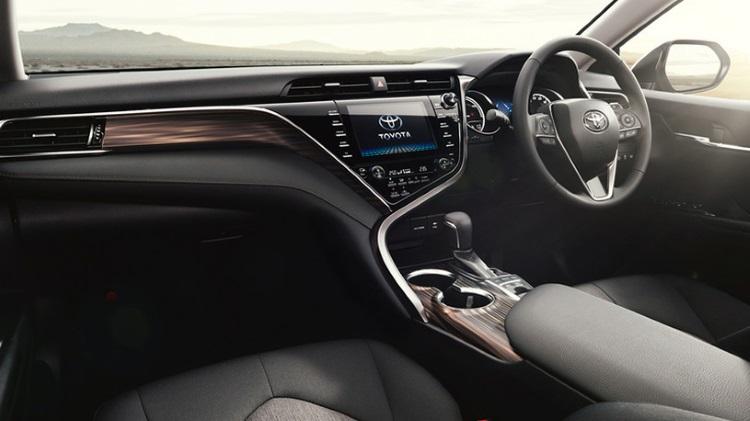 новое поколение Toyota Camry