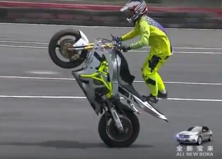 Китайские гонщики совершили невероятные трюки