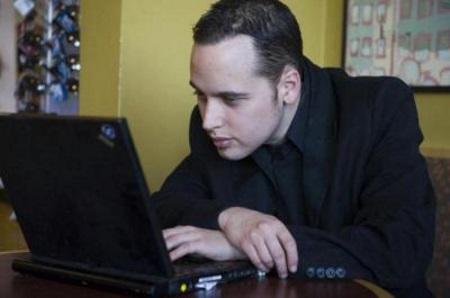 Известный хакер Адриан Ламо (Adrian Lamo) умер в 37 лет