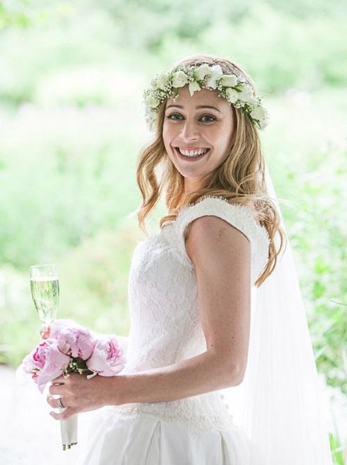 свадебные цветочные венки в причёски