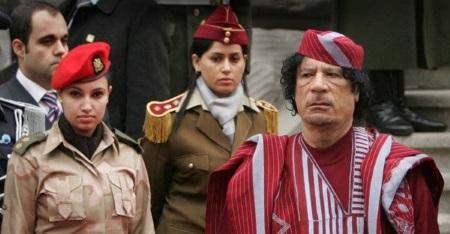 Почему в охрану ливийского лидера Муаммара Каддафи брали только невинных девушек