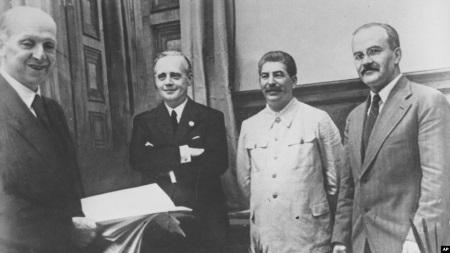 В России опубликованы советские оригинальные документы Пакта Молотова-Риббентропа