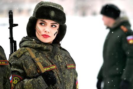 почему русские женщины идут в армию