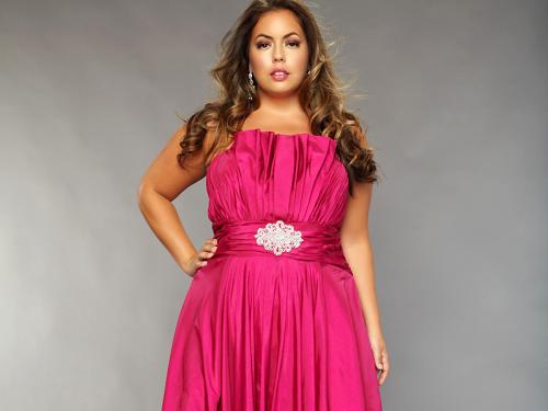 4 правила выбора платья большого размера